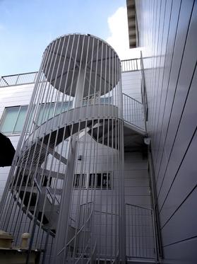 避難スベリ台.JPG