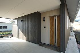 車庫&玄関.jpg